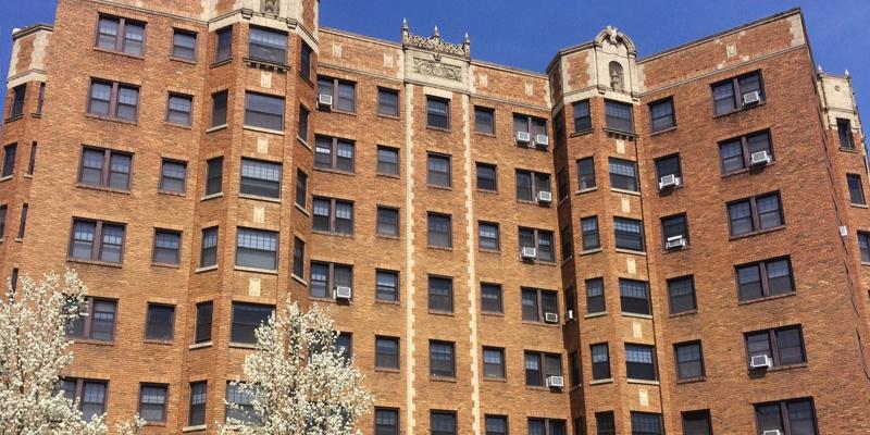 Carlyle Apartments Kansas City, MO